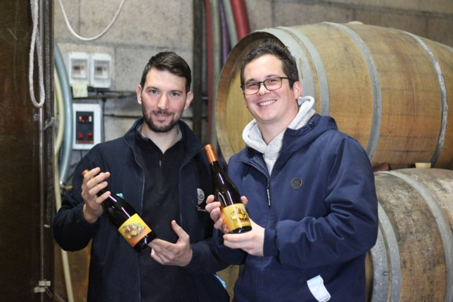 Romain Héraud (à gauche) et Maxime Bordelot ont lancé Wine Hop en mars dernier.