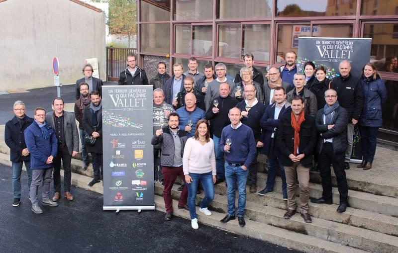 Le cru Vallet mobilise 25 vignerons et vigneronnes mais également 12 partenaires publics et privés.